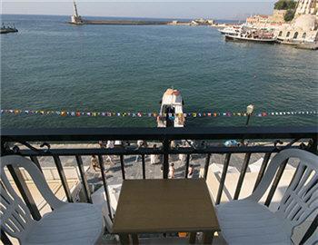 Loukia Hotel Μπαλκόνι Δίκλινο δωμάτιο με θέα στο λιμάνι Χανιά