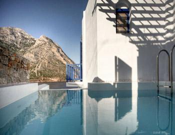 Delfini Apartments  Καμάρες
