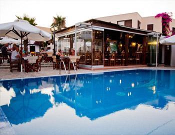 Hotel Village Mathios Πισίνα Ακρωτήρι